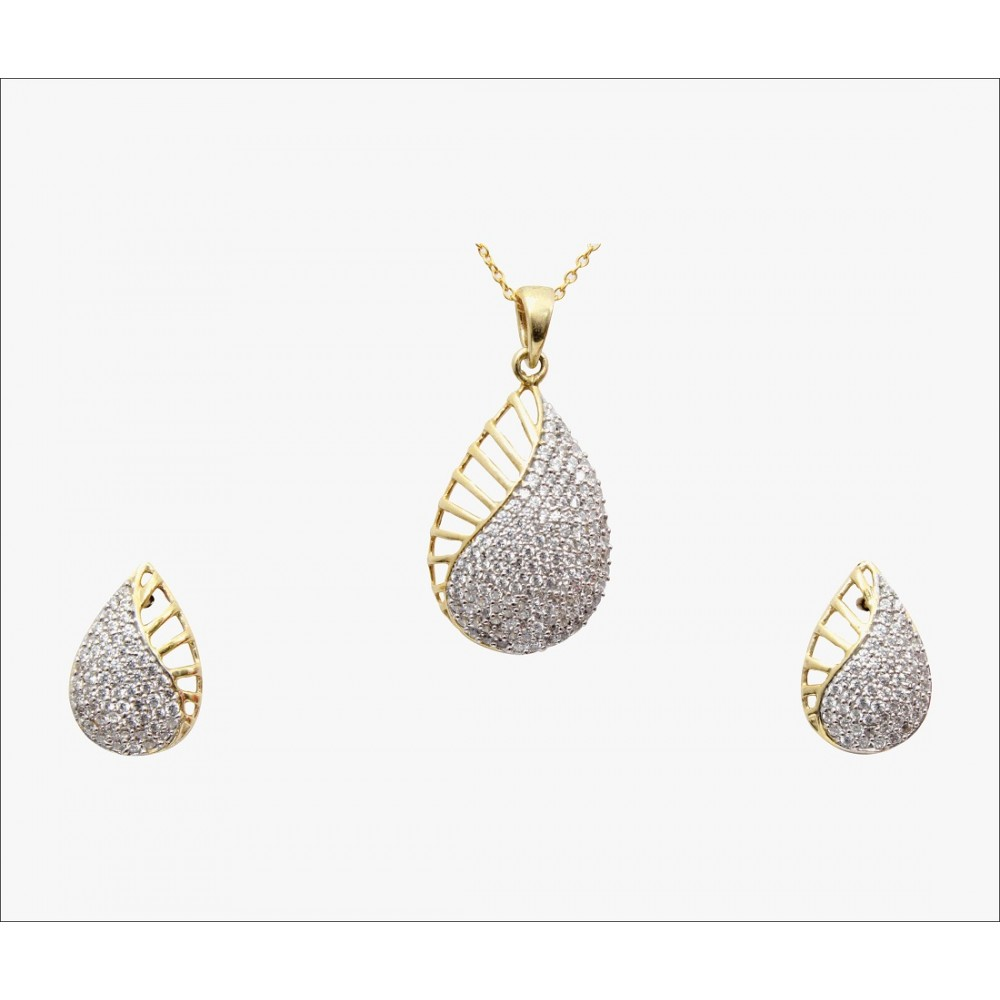 Pear Gold Studded Pendant Set