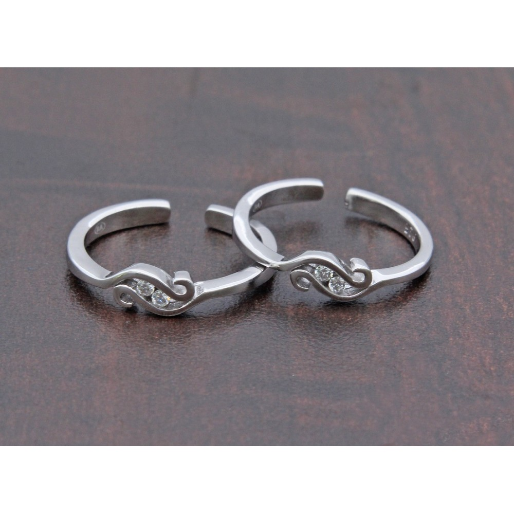 Elegant Silver Toe Ring